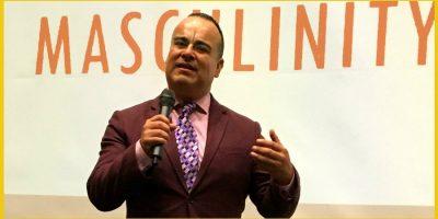slideshow-rigoberto-gonzalez-speaking-2